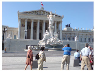 Sightseeing: Parliament Vienna
